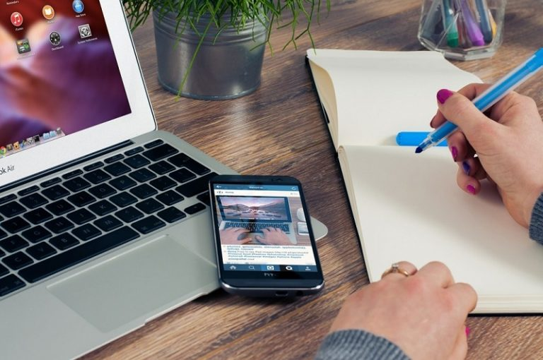 Cách biến người đọc thành khách hàng trên website. - 149816